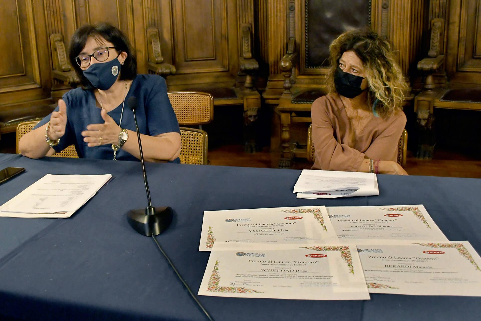 """III edizione dei """"Premi di laurea Granoro"""", premiati 10 laureati dell'Ateneo Barese"""
