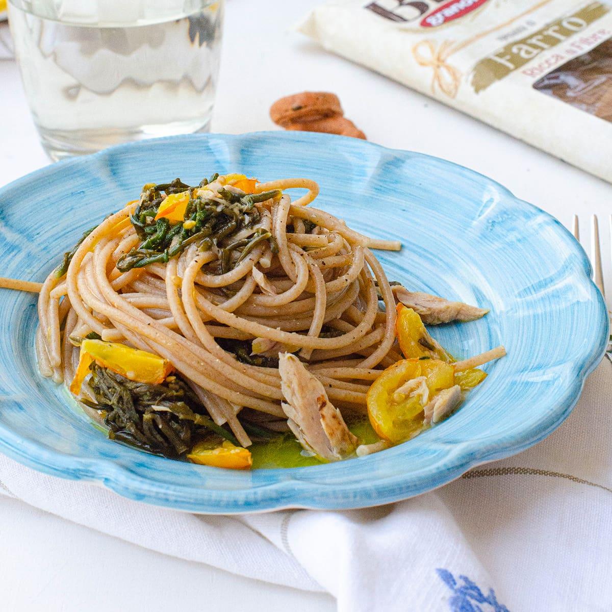 Spaghetti di Farro Bio Integrale con salicornia (asparagi di mare) pomodorino giallo e tonno in tranci